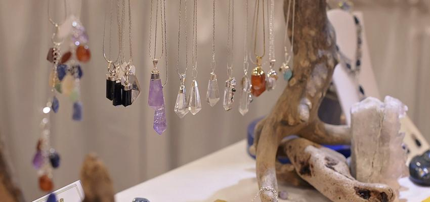 Aprende a preparar tus propios amuletos mágicos