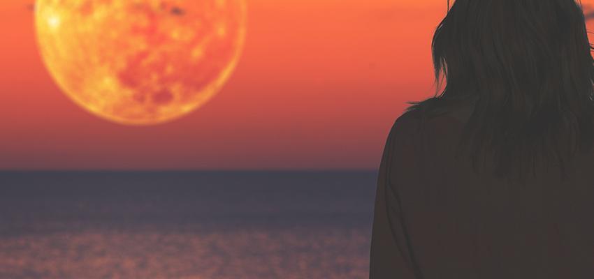 Cómo aprovechar un Eclipse lunar y atraer buenas energías