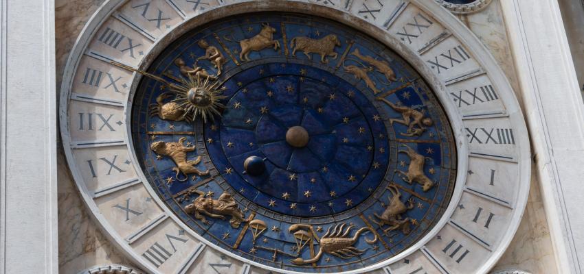 Rueda astrológica, descubre esta tirada del tarot
