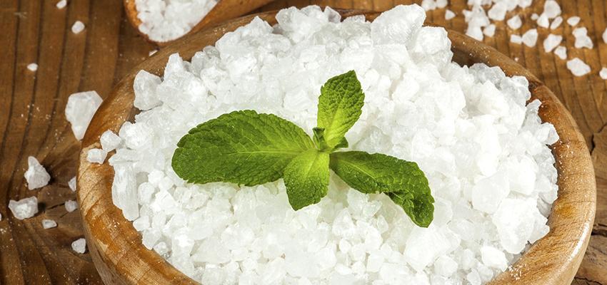 Baños de Sal: ¿Cómo purificar tu cuerpo con sal?