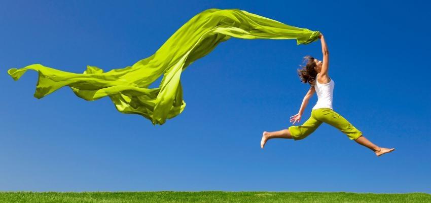 Usar verde en el año nuevo, dinero, estabilidad y esperanza