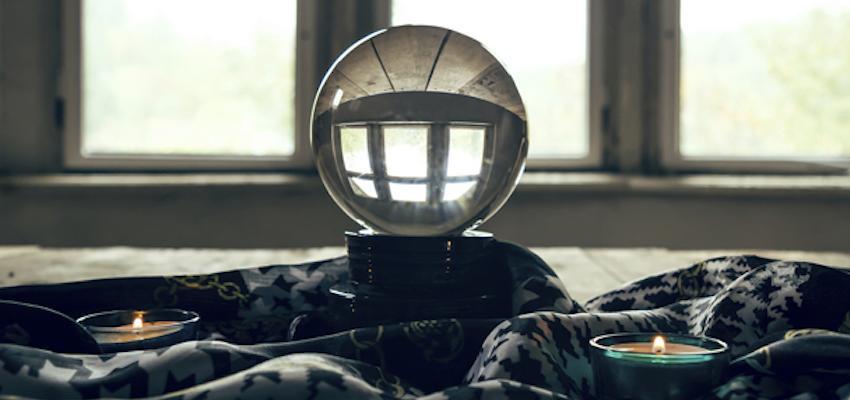 Adivine su futuro con la  bola de cristal