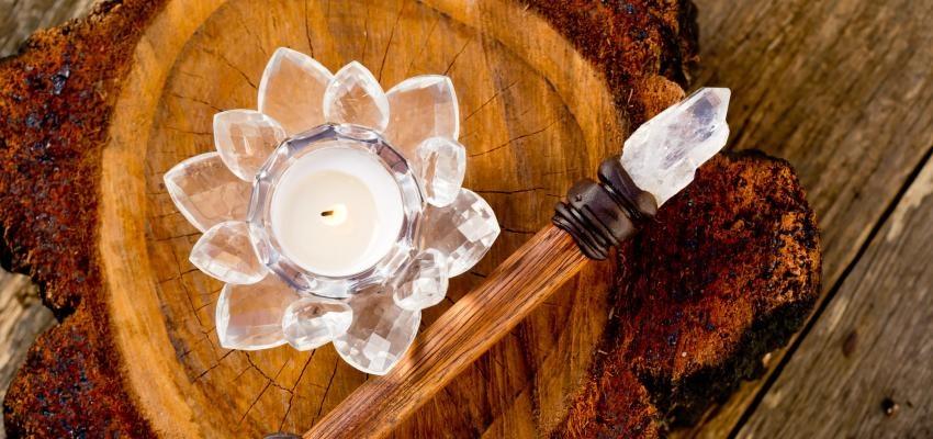 Amuletos Poderosos: loto de cristal