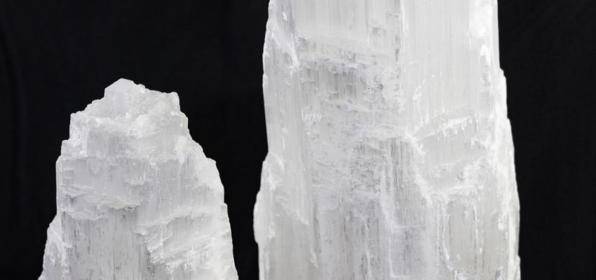 Torre de selenita. Despierta la consciencia espiritual con este prodigioso cristal