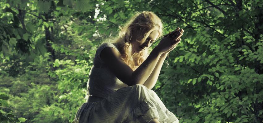 Oraciones poderosas, descubre cómo las puedes poner en práctica