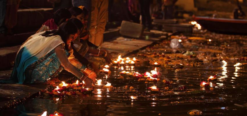 Ganga Aarti, el ritual de devoción a la diosa del río Ganges
