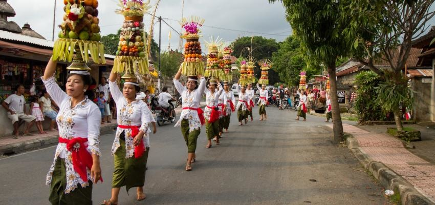 Isakawarsa, hemosas tradiciones en Bali