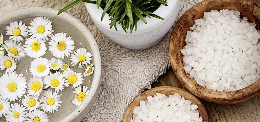 Los baños de limpieza espiritual pueden abrir sus caminos