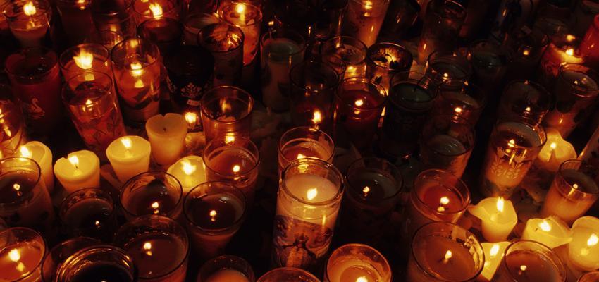 Una ofrenda a las ánimas en el Altar de muertos