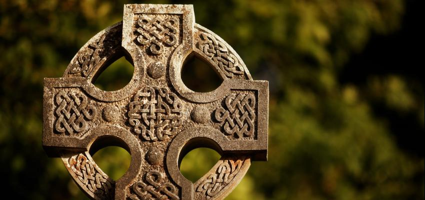 Ya conoces el origen de la cruz celta? ¡Descubrela aquí!