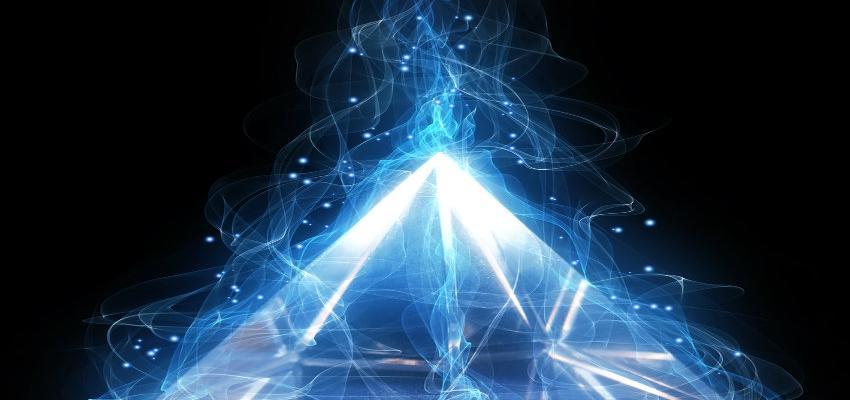 ¿Cómo orientar las pirámides y trabajar su energía?