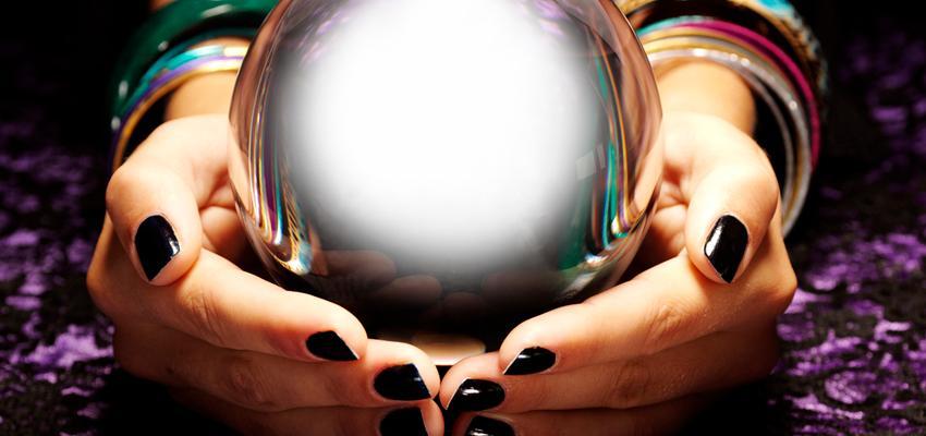 Prepara un ritual para activar la bola de cristal