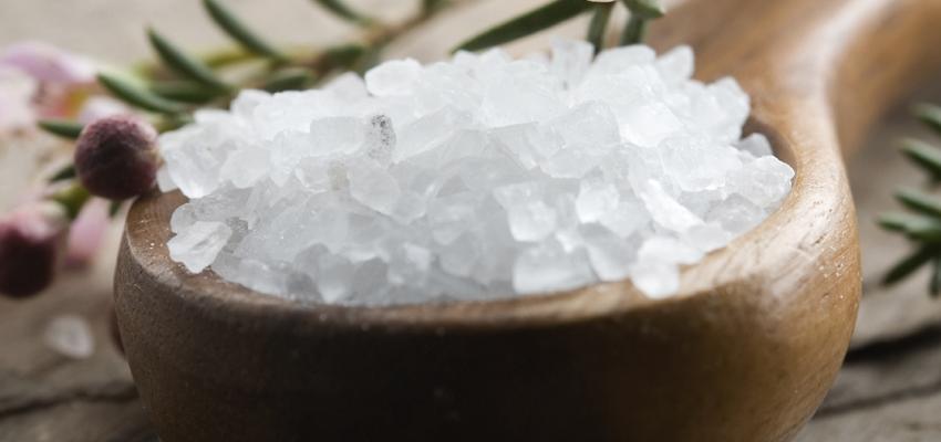 El poder de la sal para limpiar las energías negativas