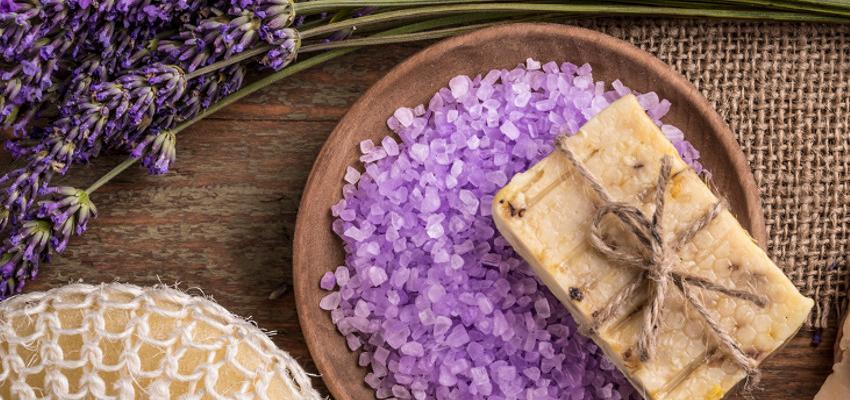 Sales energéticas: El poder de la sal y las esencias naturales