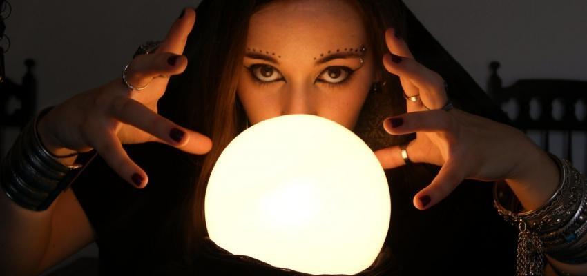 Cristalomancia, cómo conocer el futuro a través de un cristal