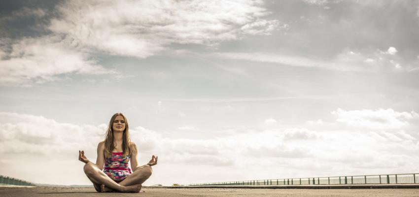 Posición de loto: Una asana clásica de yoga, meditación y pranayama