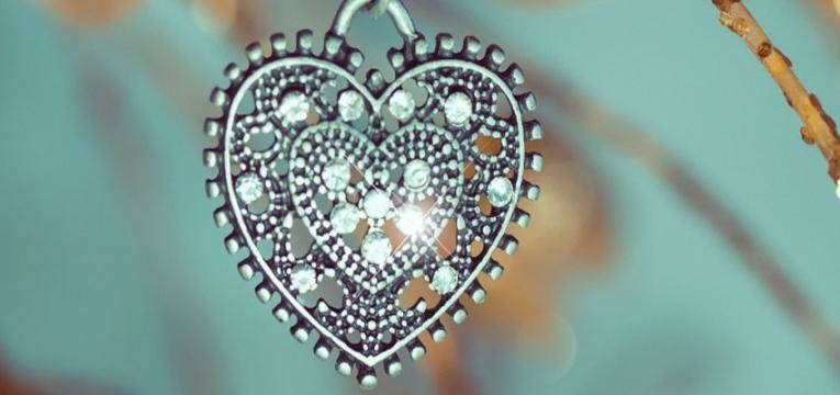 ¿Cómo preparar amuletos mágicos?