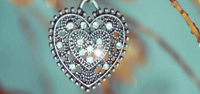Cómo se preparan los amuletos para protección personal