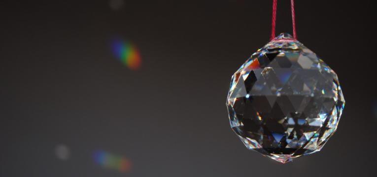 Esferas de cristal facetado o tallado