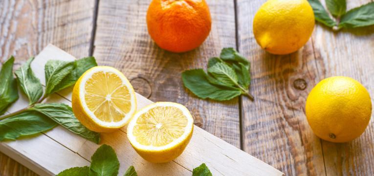 ¿Cómo atraer dinero con limón? Haz un amuleto