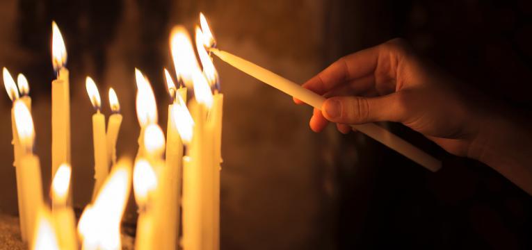 Conjuros con la vela abre caminos