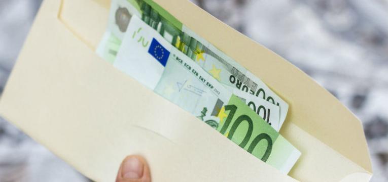 ¿Cómo funciona el tarot egipcio para atraer el dinero?