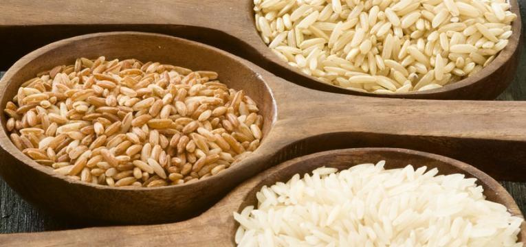 Ritual para perder peso con granos de arroz