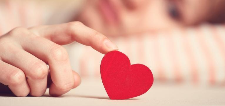 Hechizos de amor con miel para parejas rotas