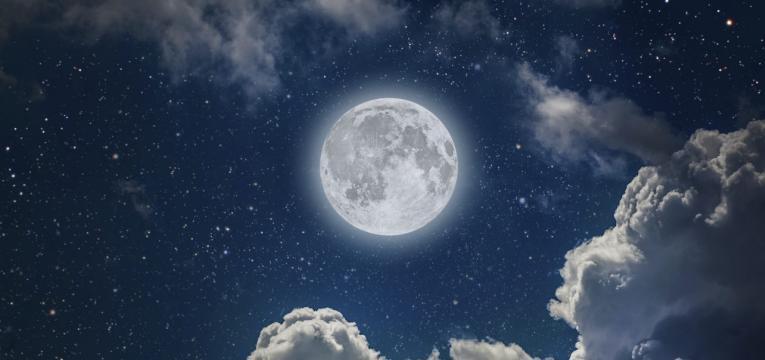 Las fases lunares y el tarot lunar
