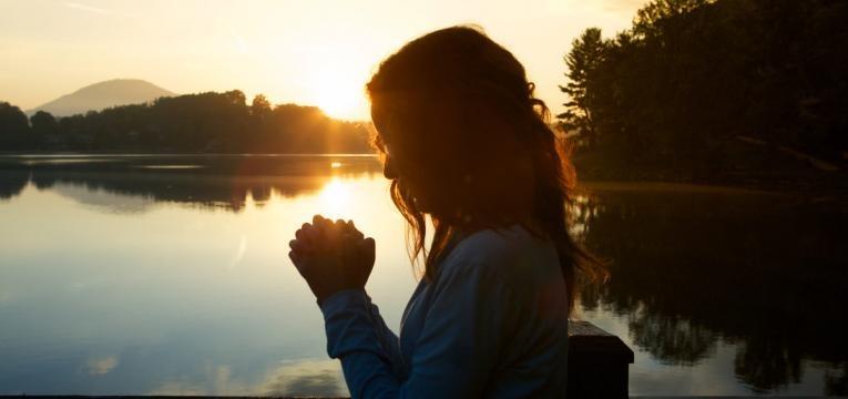 Oración para romper hechizos del Padre Gabriele Amorth