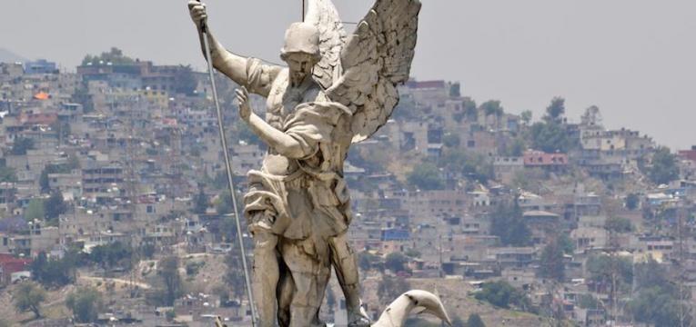 Ritual a Arcángel Miguel: el poder del Salmo 85